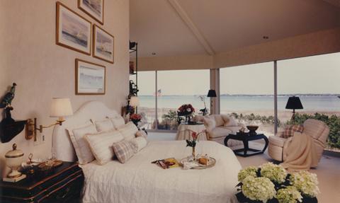 ocean-view-bedroom-southampton-ny-hm