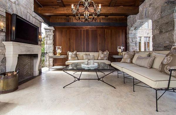 historical interior design livingroom