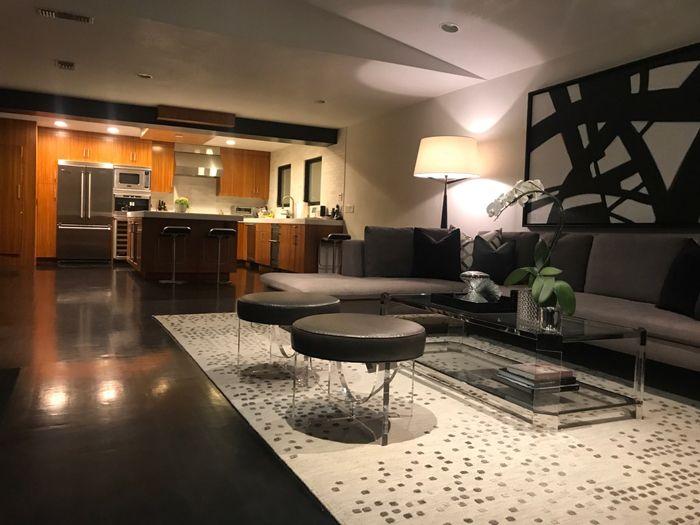 hollywood-hills-LA-livingrm-design-700x525